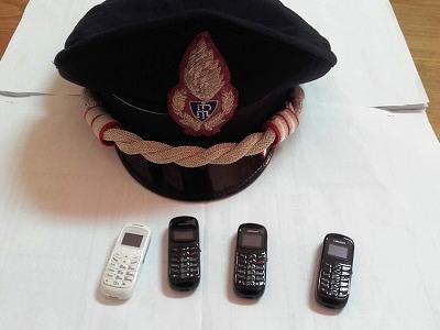 4 cellulari