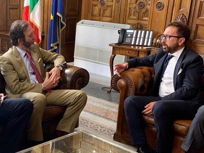 L'ambasciatore tedesco Viktor Elbling e il ministro della Giustizia Alfonso Bonafede