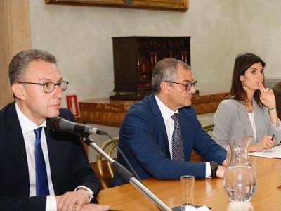 Un momento della conferenza stampa con (da sinistra) Antonino De Leo, Francesco Basentini e Virginia Raggi