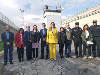 Le due delegazioni nel carcere Marta Varonil
