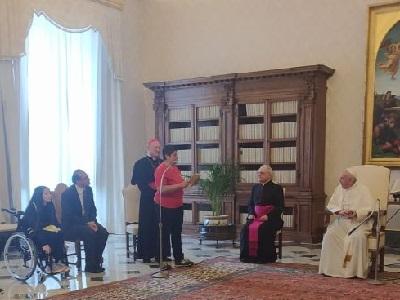 La capitana dell'Atletico Diritti in udienza da papa Francesco 20 maggio 2020