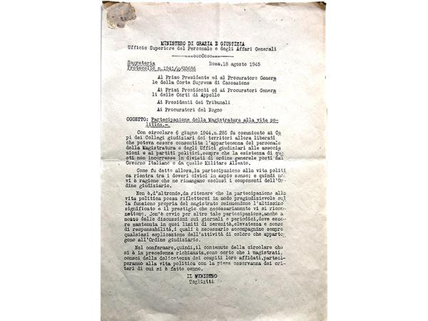 Circolare Ministro Togliatti Agosto 1945 - Partecipazione dei magistrati alla vita politica, limiti e condizioni