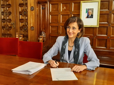 Esame avvocato, è legge. Cartabia firma decreto: al via il 20 maggio