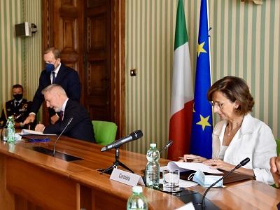 Marta Cartabia - Lorenzo Guerini firmano protocollo per la cessione della Caserma Manara