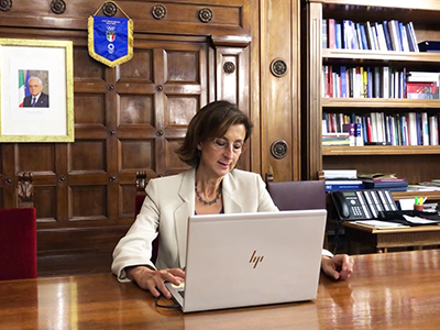 La ministra Cartabia nel suo studio