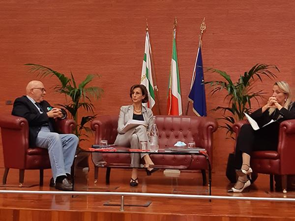 La ministra Cartabia e Tano Grasso dialogano con gli studenti dell'Università di Foggia